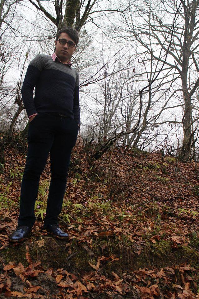 محسن آهنگر دارابی دانشجوی نخبۀ دکترای مهندسی برق از آمریکا. فرزند حسن آهنگر و سیده خدیجه شفیعی دختر عمه گرامی ام. 31 فروردین 1394. ارسالی وی از آمریکا به تلگرام دامنه
